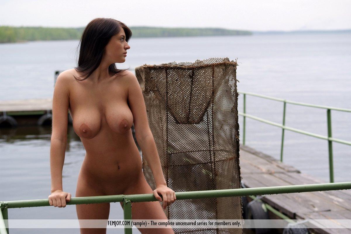 golaya-anna-salivanchuk